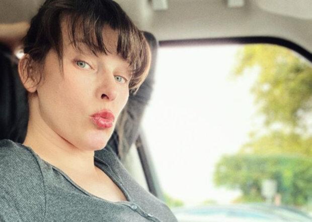 """""""Российская глубинка"""": мокрая Милла Йовович пустилась во все тяжкие посреди улицы, кадры"""