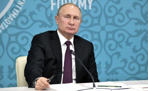 """Путін вирішив налякати Зеленського інтеграцією Донбасу в РФ: """"документи вже в процесі"""""""