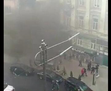 Взрыв прогремел в центре Киева, все в дыму: первые подробности и кадры