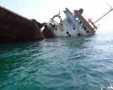 Черное море-сухогруз-Россия