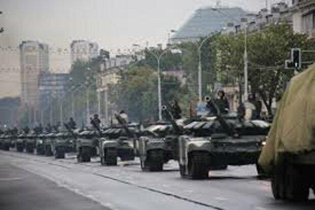 У Мінськ стягують десятки тисяч озброєних військових: названі причини термінової мобілізації