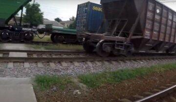 """Під Харковом товарний потяг збив чоловіка, деталі трагедії: """"переходив дорогу в..."""""""