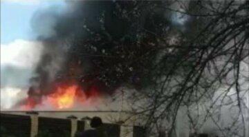 В Харьковской области на заводе вспыхнул мощный пожар: кадры с места ЧП