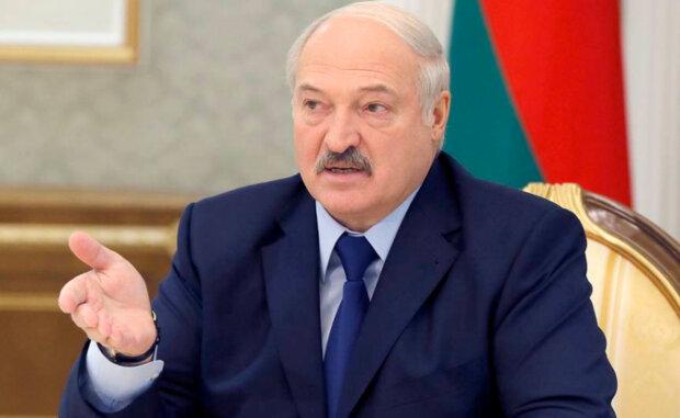 """Лукашенко нанес хлёсткий удар по амбициям Путина: """"Что у старого в башке?"""""""