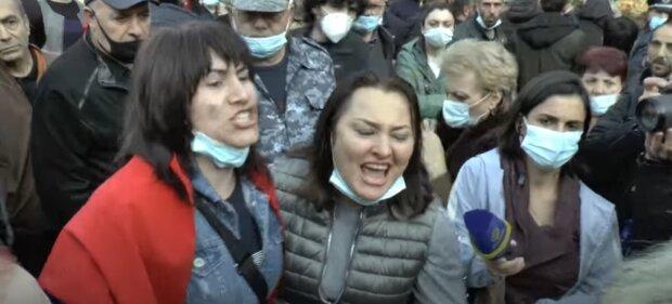 «Путин предал нас»: разъяренные армяне выступили против президента РФ с обвинениями, видео