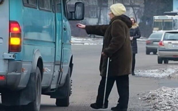 """""""Знаю я таких льготников"""": маршрутчик поиздевался над пенсионеркой в Днепре"""