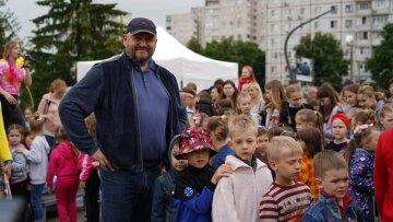 Михайло Добкін організував для маленьких харків'ян велике свято до Дня захисту дітей