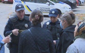Літню жінку в бордовій шапці шукають по всій Одесі, рідні не втрачають надії: що відомо про стареньку
