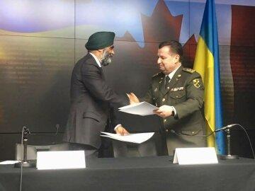Экзотичный министр обороны Канады сварил борщ для украинцев: появились фото