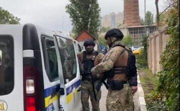 """Под Одессой сосед проломил череп мужчине: """"Орудовал сапкой"""""""