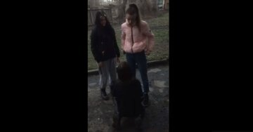 Избиение в школе, фото: скриншот Facebook