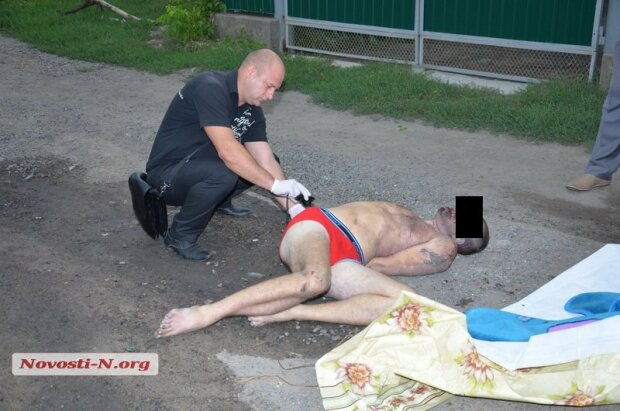 Полицейские забили до смерти мужчину (фото)