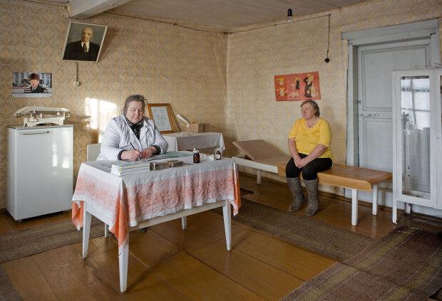 Budushee — Zukunft , ein Dorf zwischen Moskau und St. Petersburg im Winter