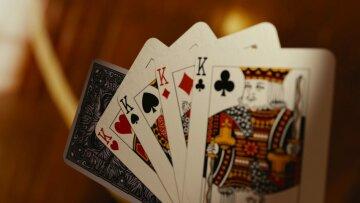 play_cards_card_casino_game_heart_fun_blackjack_luck-1223010-1068×601