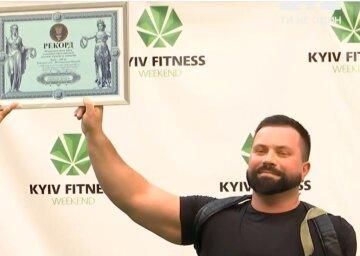 33-річний Володимир встановив рекорд України: втратив руку, але не здався