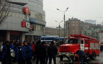 ЧП в Одессе: из торговых центров срочно выводят людей, подробности