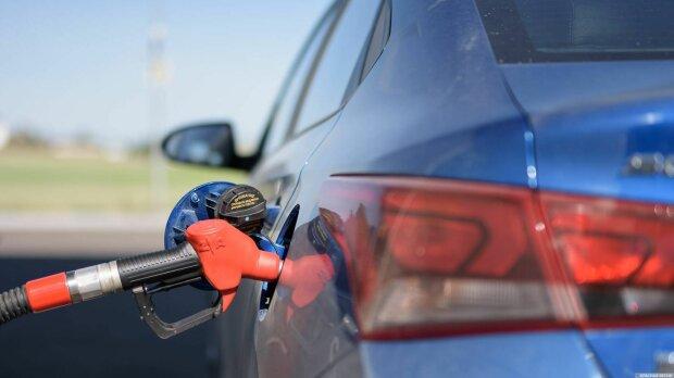 Паливний переворот в Україні: водії масово відмовляються від бензину, подробиці