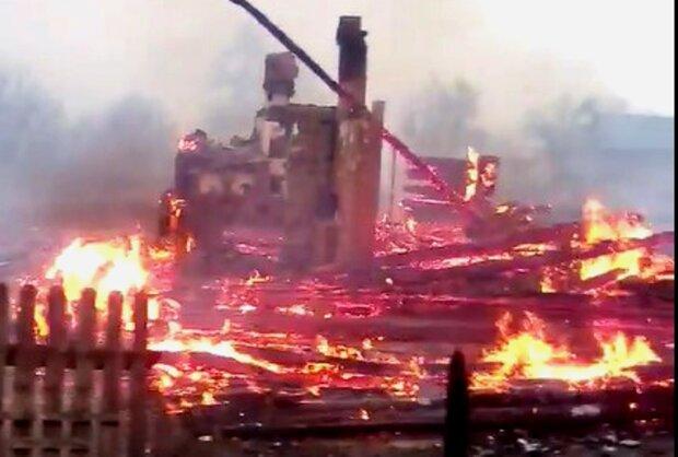 «Пылают дома»: кадры из эпицентра нового пекла в Украине, и это не Чернобыль