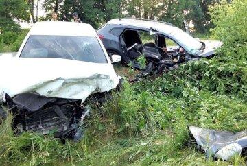 Авто занесло на встречную полосу, выжить удалось не всем: кадры и детали ДТП