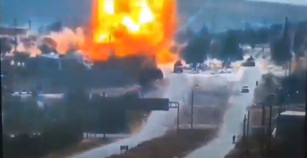 В Сирии повстанцы подорвали колонну с российскими военными: кадры мощного взрыва