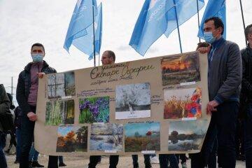 Врятуємо екопарк: Нацкорпус провів толоку на Осокорках