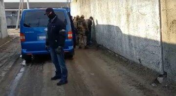 """Озброєний """"ЛНРовець"""" влаштувався в Харкові: СБУ виїхала на термінове захоплення, відео"""