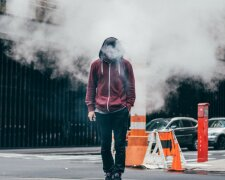 курильщик, дым