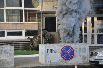 Штурм посольства Ізраїлю в Києві (фото, відео)