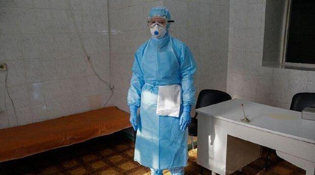 """""""Выдали по костюму и заставили стирать"""": на Одесчине рассказали, что творится в больницах"""