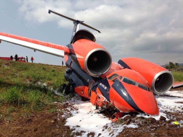 Літак з українцями на борту зазнав катастрофи (фото)