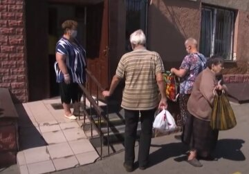 Пенсионный возраст в Украине повысили, важное предупреждение: кому придется работать до 65 лет