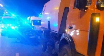Вырезали из кузова легковушки: в Харькове произошла жуткая авария, фото