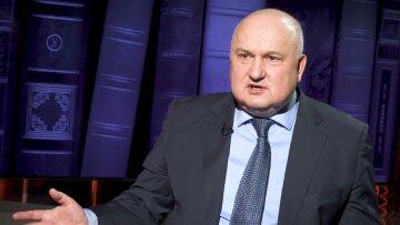Чому вони повинні дбати про Україну, яка дозволяє український народ грабувати, знущатися над народом? – Смешко про допомогу НАТО