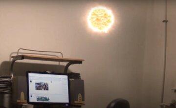 Шипящий звук привлек внимание: шаровая молния залетела в квартиру к одесситу