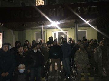 Після 12-годинного суду в Краматорську комбата Лановенка відпустили під домашній арешт