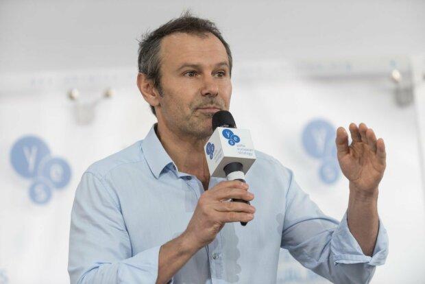 Вакарчук отозвал депутата со Львовщины: раскрыты скандальные подробности