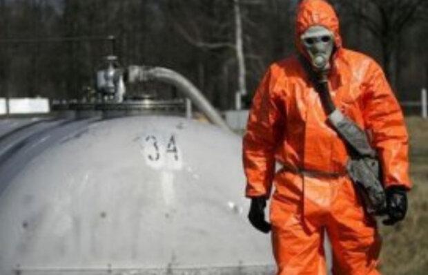"""Місто під Дніпром на межі катастрофи: """"тисячі тонн ракетного палива виявилися..."""""""