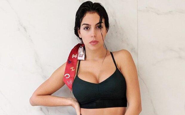 """Фігуриста наречена Роналду оголилася в спортзалі і показала, на що здатна: """"Беліссімо"""""""