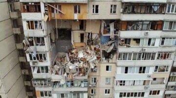 """""""Где моя мама?"""": девушка чудом выжила во взорванном доме на Позняках, но потеряла главное"""