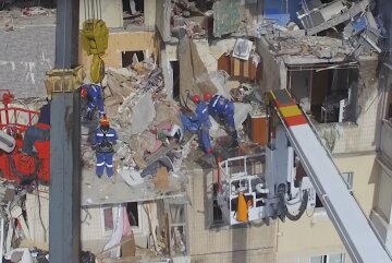 взрыв многоэтажки в Киеве, взрыв дома на Позняках