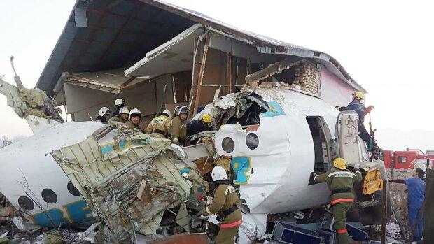 """Авиакатастрофа с украинцами: очевидцы выдали страшные детали трагедии, """"все кричали и..."""""""