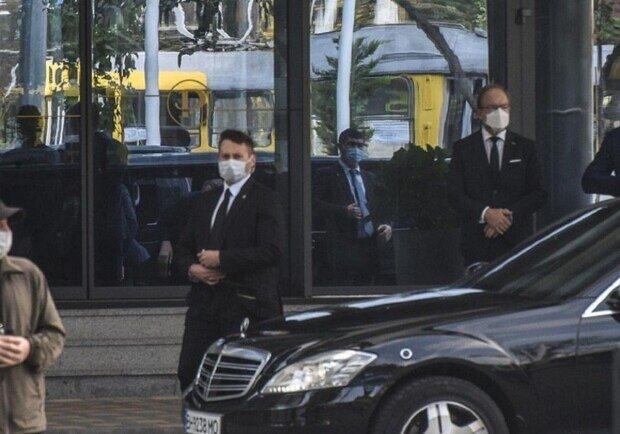 """""""Фарбували, латали і прибрали сміттєві баки"""": як в Одесі готувалися до приїзду президента, відео"""