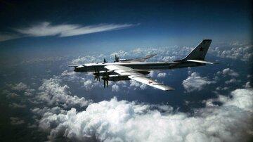 ТУ-95 самолет бомбардировщик