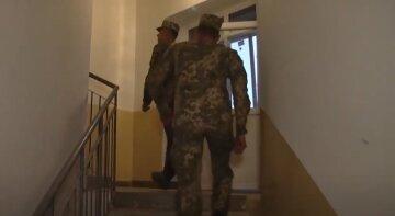 """Киевлянина с инвалидностью позвали в военкомат, гремит скандал: """"Сам себя не обслуживает"""""""