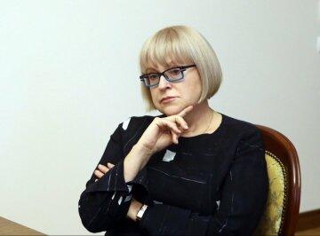 Завтра Екатерина Амосова будет отчитываться в Минздраве