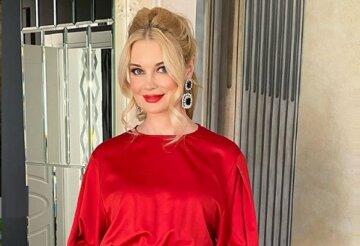 """Звезда 1+1 Лидия Таран без макияжа с пучком на голове сразила украинцев внешностью в обычной жизни: """"Как школьница"""""""