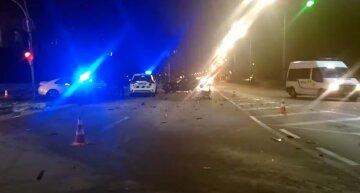 Под Киевом пьяный подросток сел за руль и на огромной скорости влетел в такси: видео с места трагедии