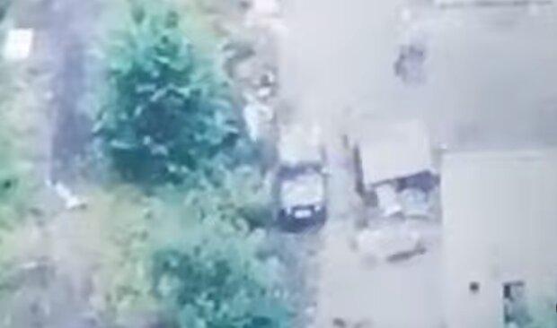 На Донбасі засікли російський комплекс розвідки для спецоперацій, відео з безпілотника