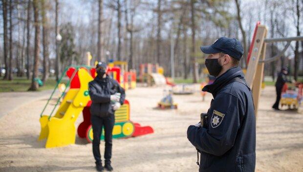 """Комаровський розповів, чи можна гуляти з дітьми під час карантину: """"це визначають..."""""""