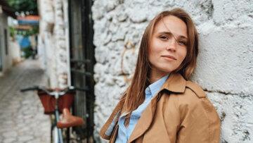 """Женька из """"Сватов"""" заинтриговала рисковой переменой во внешности: """"Не нужно портить тело"""""""